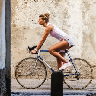 Weekend a Milano - Ragazza in bicicletta